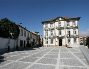 Oliveira-de-Azem--is-300x234