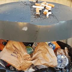 Fumadores Incrementam Perigos à Porta de Escola.