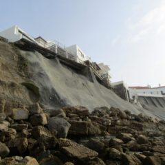 Abrasão marinha e alterações climáticas colocam casas em risco