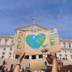 Greve Climática Estudantil : gerações unidas pela justiça climática