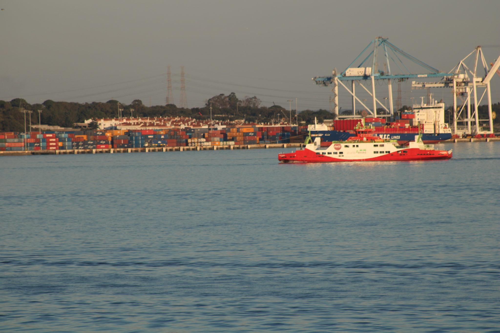 Contentores de carga do Porto de Setúbal