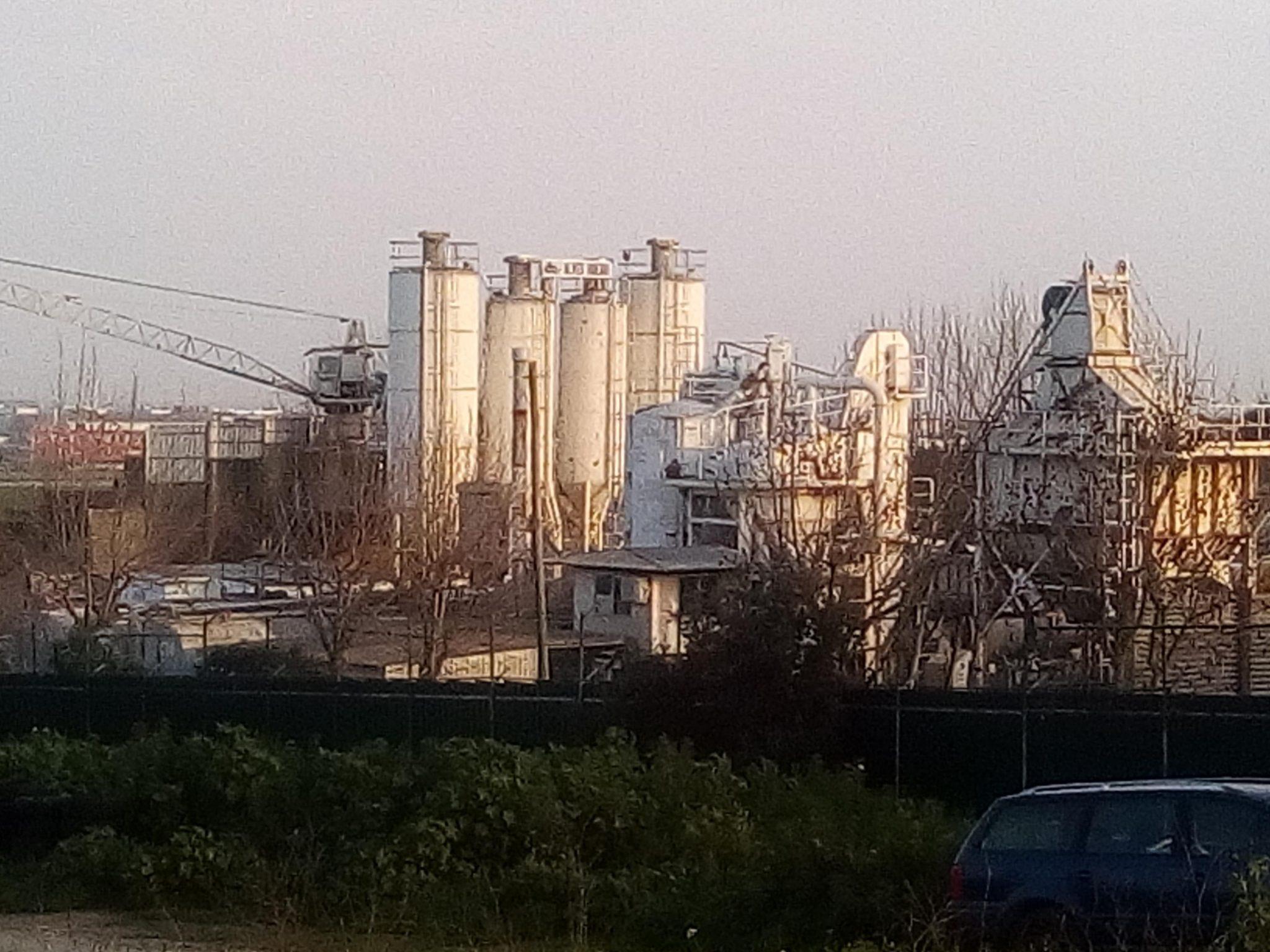 A fábrica de alcatrão em Camarate