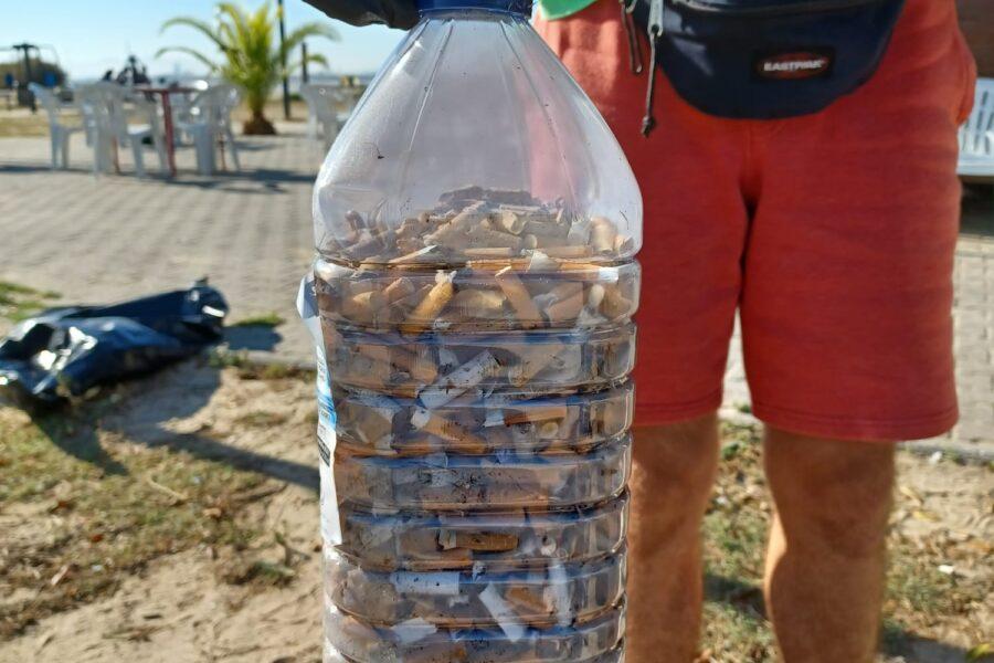 A limpeza da praia de Alburrica